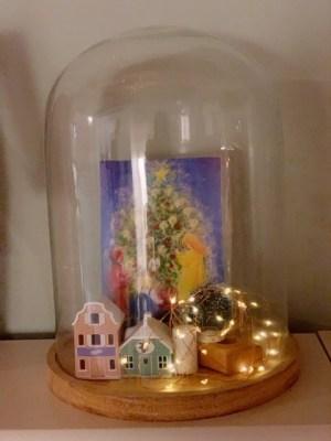 Winterdorp inspiratie glazen stolp met slinger