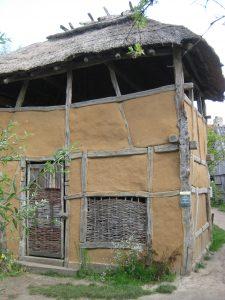 klein huis in het preHistorisch Dorp Eindhoven