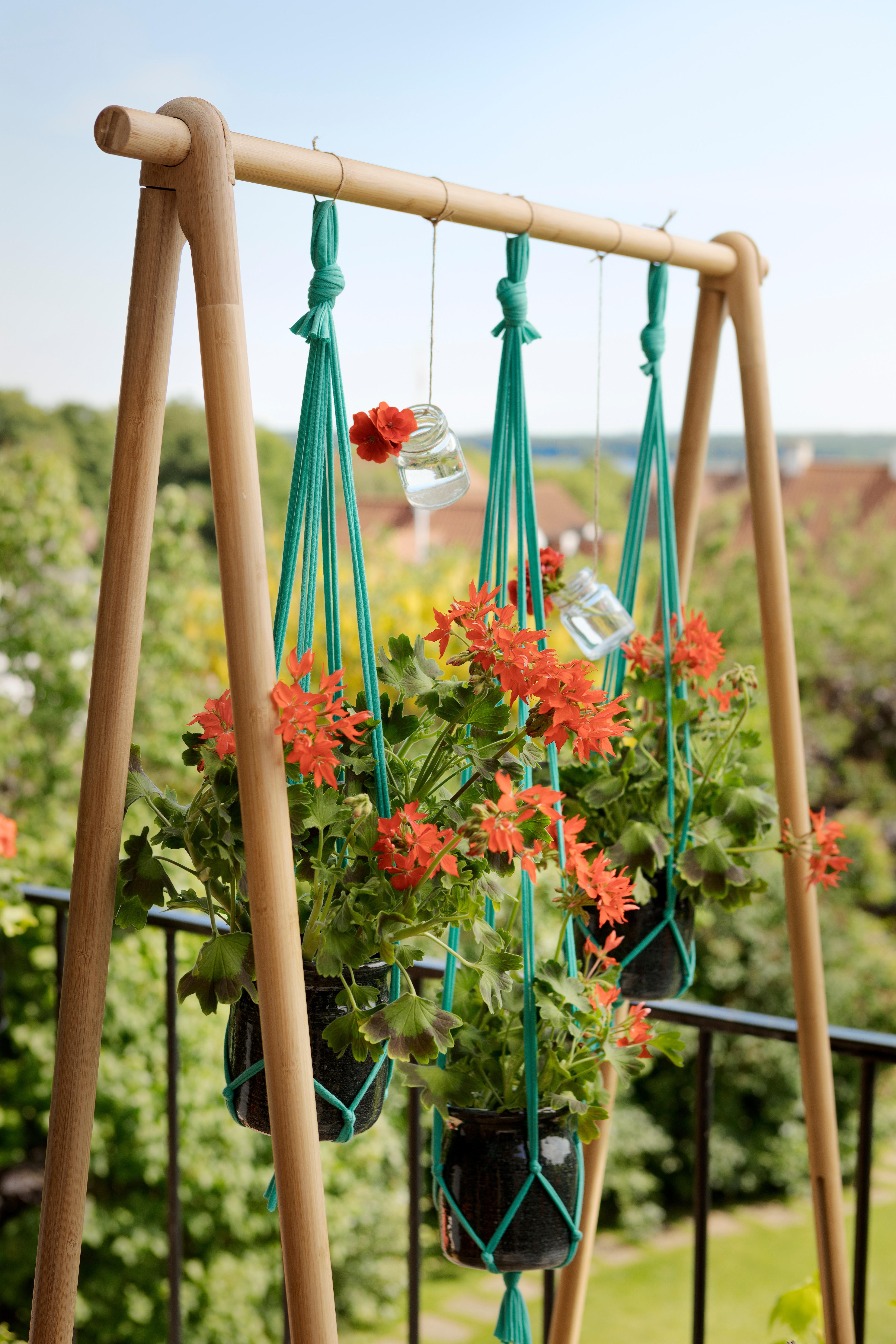 trap hangen met geraniums