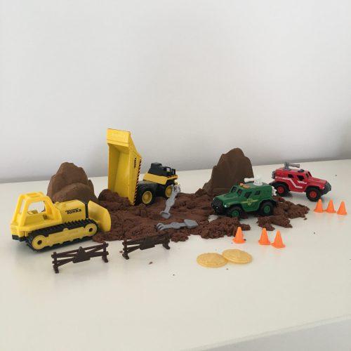 Getest: Tonka metalen bouwvoertuigen met modder